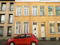 Rijhuis met 4 slaapkamers in Oostende centrum